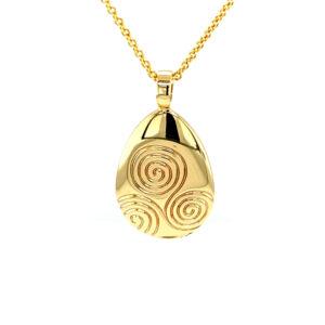 Newgrange Pendant Gold